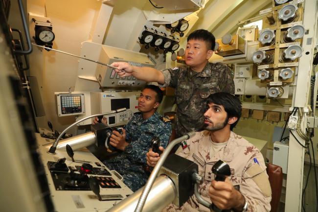 Bộ đội Việt Nam huấn luyện tàu ngầm ở Hàn Quốc: Giúp thủy thủ tàu ngầm trở nên tuyệt vời - Ảnh 2.