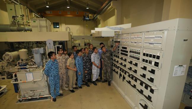 Bộ đội Việt Nam huấn luyện tàu ngầm ở Hàn Quốc: Giúp thủy thủ tàu ngầm trở nên tuyệt vời - Ảnh 1.