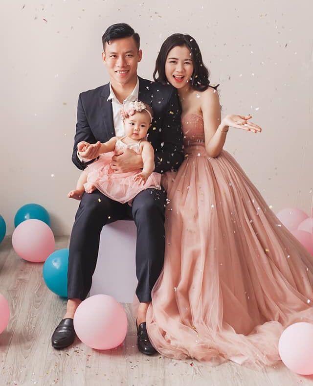 Vợ Quế Ngọc Hải: 'Em rất hạnh phúc sau khi có chồng, chỉ ghen tỵ… với bé Sunny' - Ảnh 1.