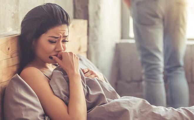 Vợ bóc phốt chồng ngoại tình 1 cách thâm hiểm: Tổ chức sinh nhật siêu to, khổng lồ cho vợ xong đòi ly hôn với lý do quá đắng - Ảnh 2.