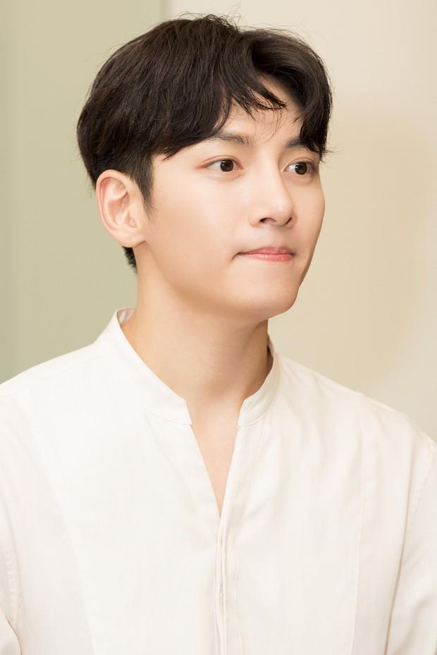 Diệp Lâm Anh chính thức lên tiếng về sự kiện Ji Chang Wook bị huỷ, hé lộ loạt ảnh cuộc gặp gỡ 15 phút với tài tử Hàn - Ảnh 4.