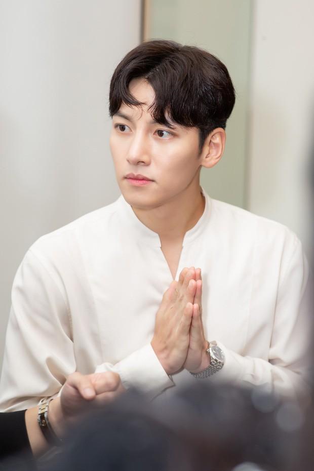 Diệp Lâm Anh chính thức lên tiếng về sự kiện Ji Chang Wook bị huỷ, hé lộ loạt ảnh cuộc gặp gỡ 15 phút với tài tử Hàn - Ảnh 5.