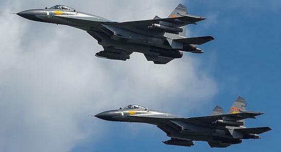 Bẽ bàng trước Mỹ, Trung Quốc đã nhờ Su-30MKK của Nga mà ngẩng mặt lên như thế nào? - Ảnh 2.