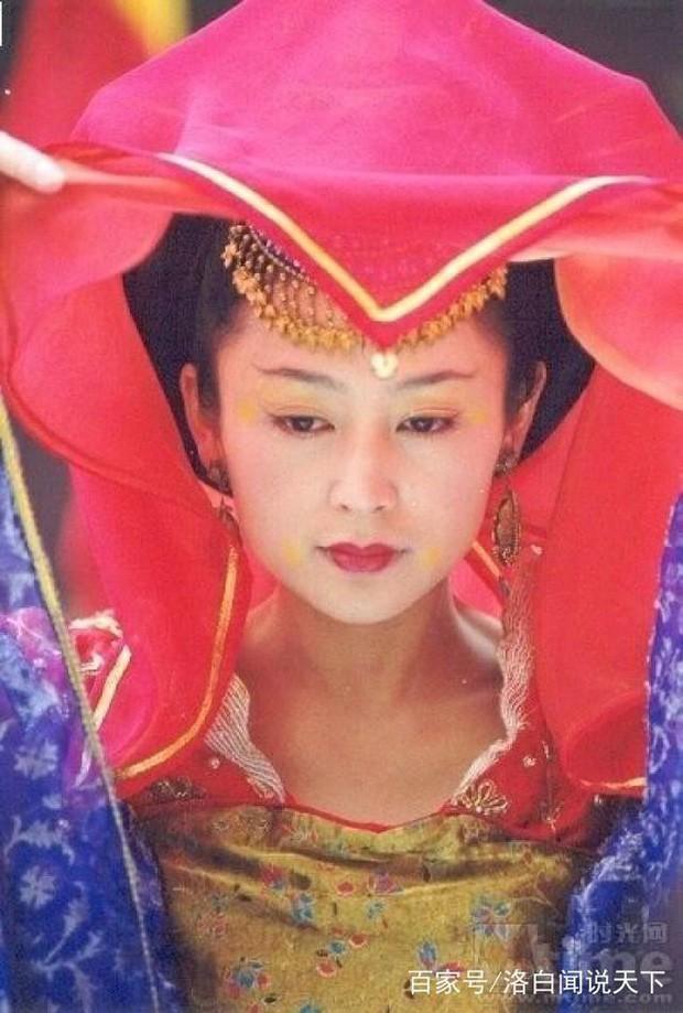 Trần Hồng: Nàng Điêu Thuyền đẹp hơn cả Vương Tổ Hiền, khiến netizen Hàn phải mê mẩn đến mức phong Đệ nhất mỹ nhân Cbiz - Ảnh 11.