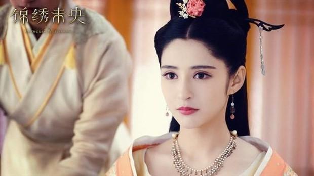"""5 mỹ nhân """"đệ nhất thiên hạ"""" trên màn ảnh Hoa ngữ: Thượng thần Dương Mịch bít cửa trước cô cô Lý Nhược Đồng - Ảnh 3."""