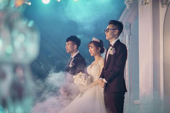 Giữa tâm bão drama vợ 2 của bố, con gái Minh Nhựa gây khó hiểu khi đăng ảnh ngày xưa 4 mẹ con vui vẻ bên nhau - Ảnh 8.