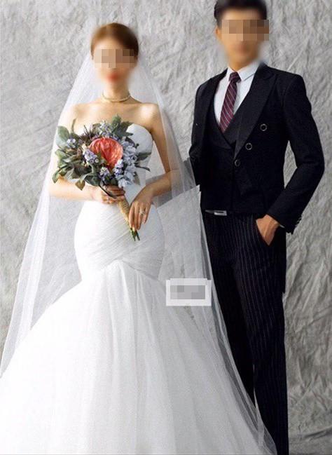 Người yêu cũ mời cưới, cô gái bất ngờ khi vào Facebook xem cô dâu: Linh cảm năm xưa đã đúng! - ảnh 1