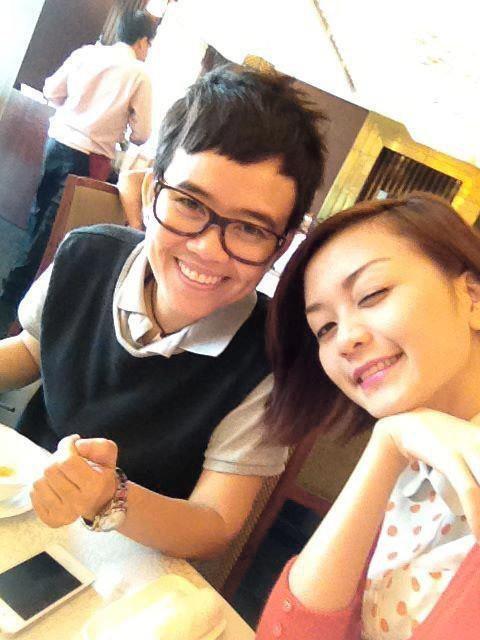 Không chỉ Hoàng Thùy Linh, hoa hậu, MC VTV cũng bị nghi yêu đồng giới - Ảnh 13.