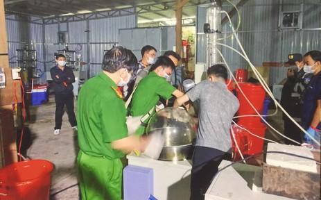 """Đường dây sản xuất ma tuý """"khủng"""" ở tỉnh Kom Tum và Bình Định là cùng 1 đường dây"""