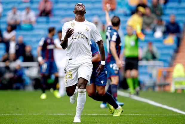 Giải VĐQG Tây Ban Nha: Tân binh 100 triệu euro Eden Hazard ra mắt, Real Madrid suýt mất điểm trên sân nhà - Ảnh 11.