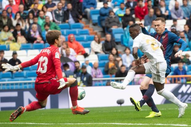 Giải VĐQG Tây Ban Nha: Tân binh 100 triệu euro Eden Hazard ra mắt, Real Madrid suýt mất điểm trên sân nhà - Ảnh 12.