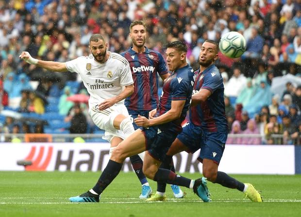 Giải VĐQG Tây Ban Nha: Tân binh 100 triệu euro Eden Hazard ra mắt, Real Madrid suýt mất điểm trên sân nhà - Ảnh 9.