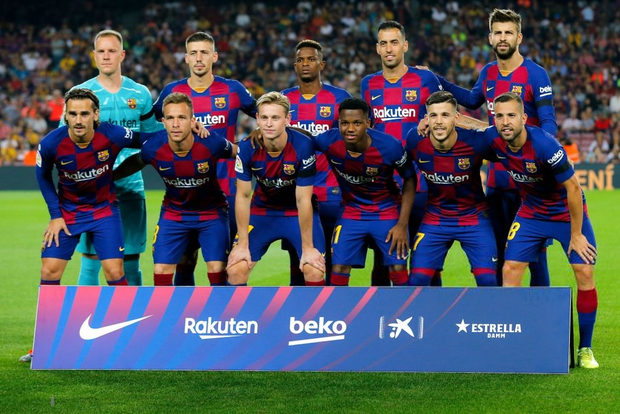 Thần đồng 16 tuổi của Barca tỏa sáng với cột mốc chưa từng xảy ra trong lịch sử La Liga, giúp đội nhà vùi dập Valencia - Ảnh 1.