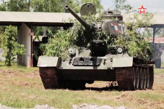 [ẢNH] Xe tăng T-34-85 Nga nhận lại từ Lào biểu diễn sức mạnh trên thao trường - Ảnh 4.
