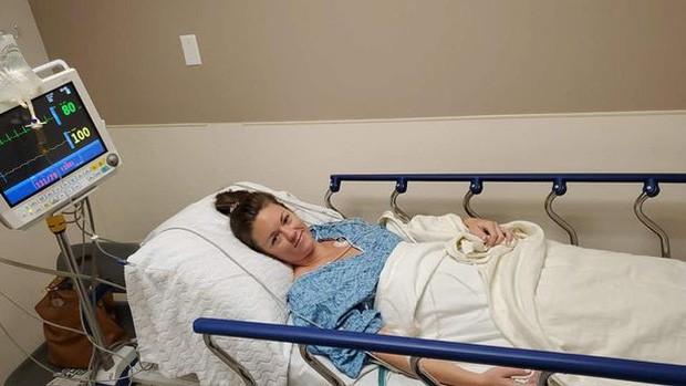 Ngủ dậy phát hiện mất nhẫn đính hôn, cô gái đi chụp X-quang mới thấy nằm ngay trong ruột và câu chuyện về giấc mơ khiến dân mạng cười nghiêng ngả - Ảnh 4.