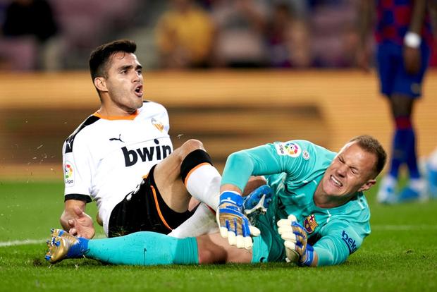 Thần đồng 16 tuổi của Barca tỏa sáng với cột mốc chưa từng xảy ra trong lịch sử La Liga, giúp đội nhà vùi dập Valencia - Ảnh 8.