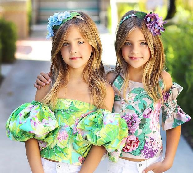 Cặp chị em song sinh đẹp nhất thế giới nay đã lớn: Sở hữu 1,4 triệu follow trên Instagram, mới 9 tuổi đã cá kiếm cả triệu đô mỗi năm - Ảnh 10.