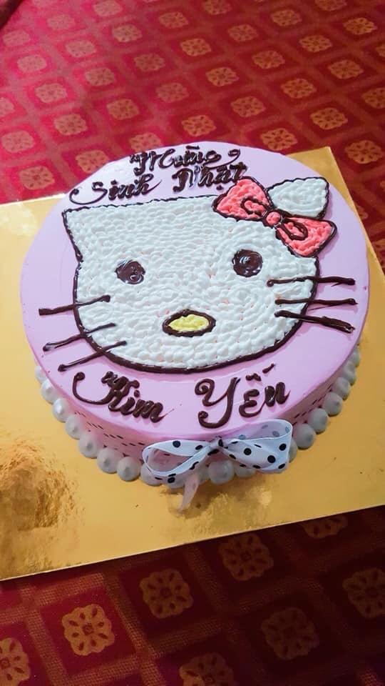 Đặt hình Hello Kitty, cô gái lại nhận về chiếc bánh mặt mèo bị tẩy trang, xấu tới mức không muốn thổi nến - Ảnh 10.