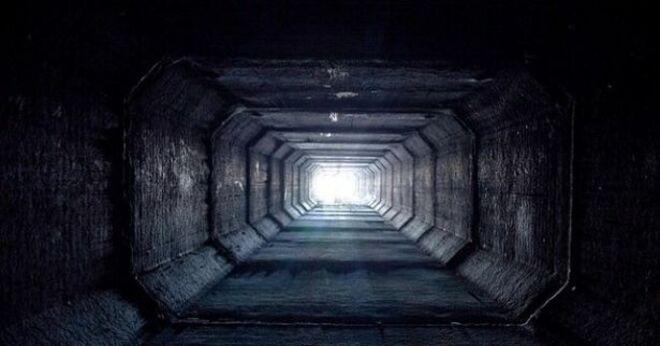 Cựu diễn viên phim người lớn sống chui lủi dưới đường hầm thoát nước ở Las Vegas - Ảnh 2.