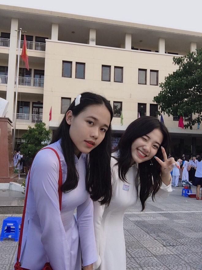 Hotgirl áo dài Đà Nẵng gây sốt bởi góc nghiêng cực giống Suzy, sở hữu hơn 12k follow Instagram và hàng chục clip triệu view - Ảnh 6.