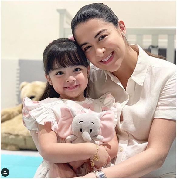Nhan sắc con gái 'mỹ nhân đẹp nhất Philippines' khiến nhiều người tan chảy - Ảnh 10.