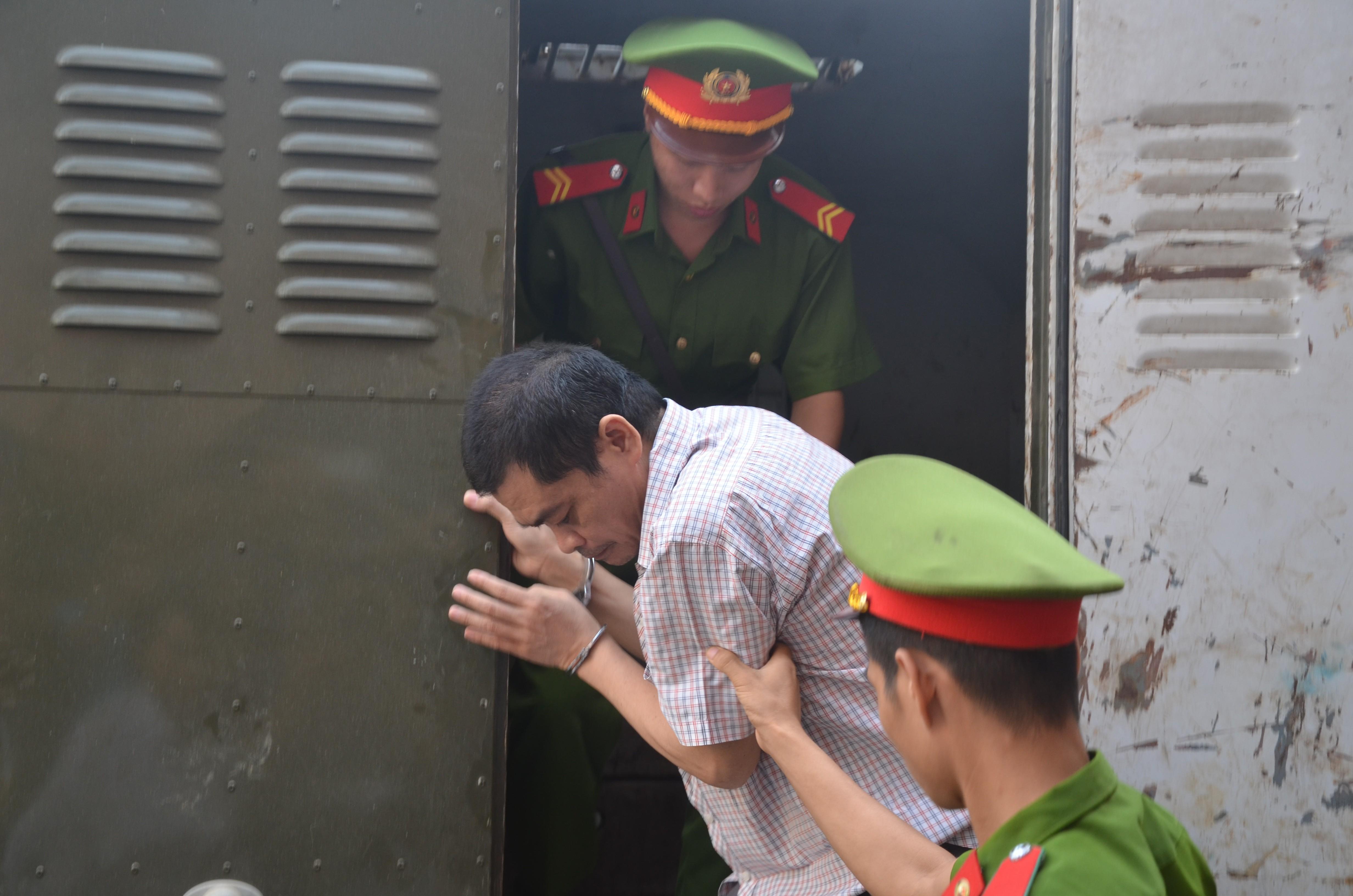 VZN News: Hà Giang xét xử gian lận điểm thi THPT 2018: Vắng 122 người, LS đề nghị xem xét tính hợp pháp của thư triệu tập - Ảnh 5.