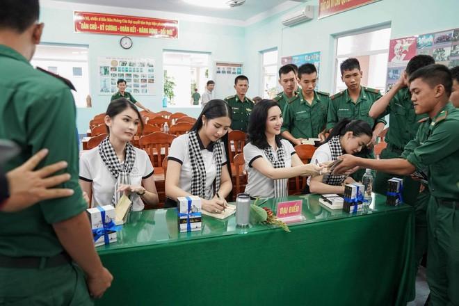 Hành trình Từ Trái Tim khơi dậy khát vọng lớn cho tuổi trẻ Miền Đông và Tây Nam Bộ - Ảnh 10.