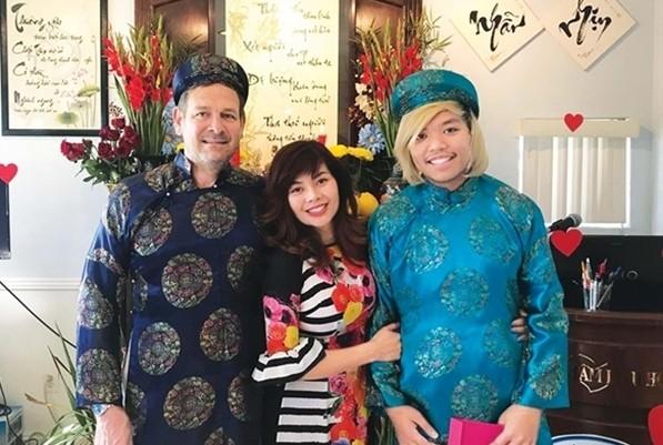 Nữ ca sĩ Việt sang Mỹ gợi cảm, giàu có, tình duyên lận đận - Ảnh 4.