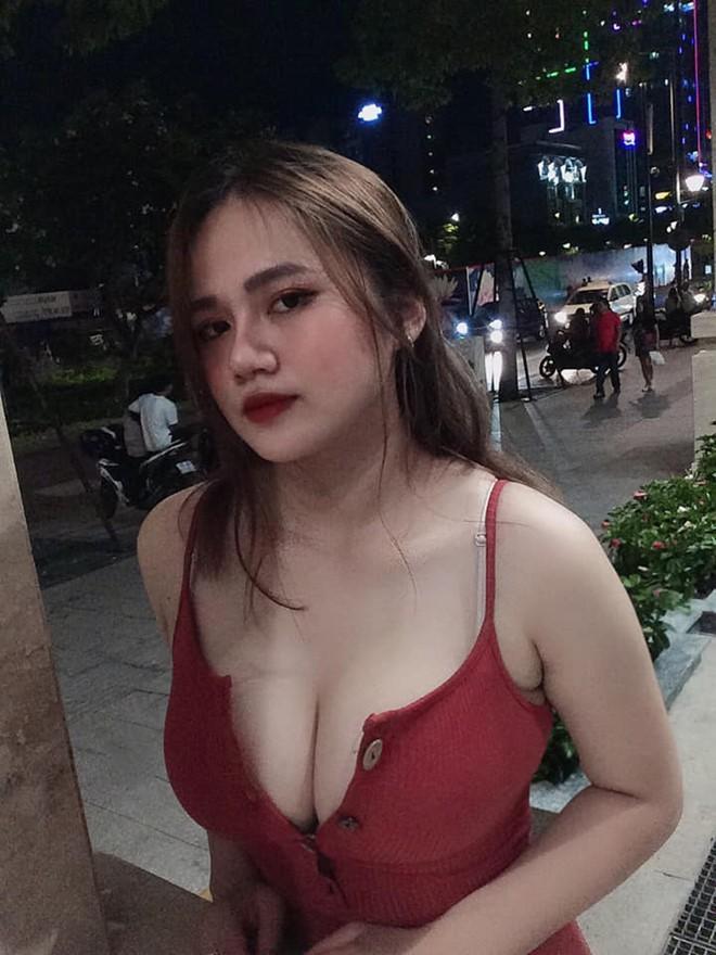 Nữ sinh có vòng ngực ngoại cỡ 100cm sở hữu gout thời trang nóng bỏng hết nấc, block thẳng tay những anh chàng hay gạ gẫm - Ảnh 5.