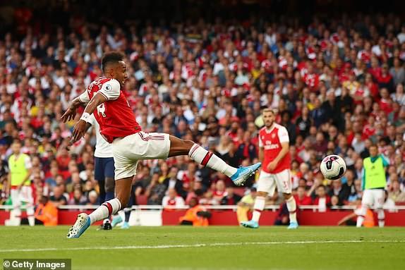 Nổ pháo rợp trời, Arsenal hút chết trong trận derby căng như dây đàn - Ảnh 9.
