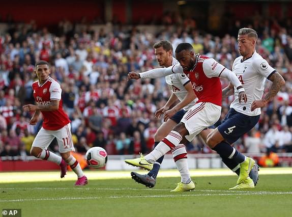 Nổ pháo rợp trời, Arsenal hút chết trong trận derby căng như dây đàn - Ảnh 6.