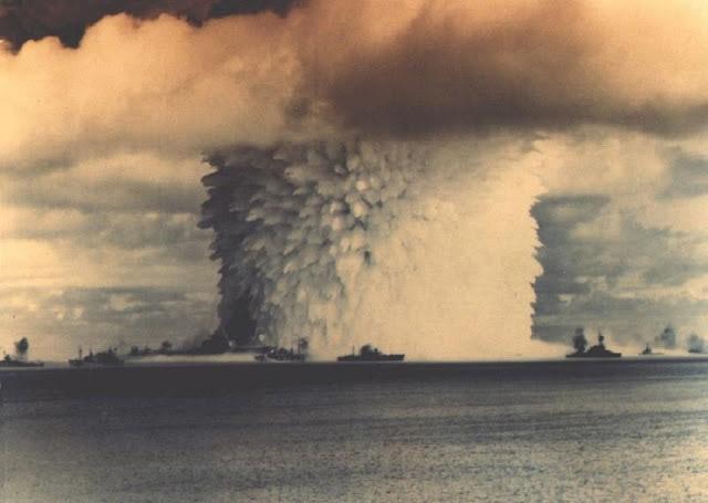 Hơn 1.000 vụ thử vũ khí hạt nhân và cái giá phải trả của nước Mỹ - Ảnh 1.