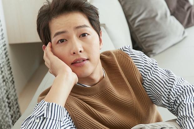 Đón sinh nhật đầu tiên hậu ly hôn, Song Joong Ki khóc, hốc hác đáng báo động - ảnh 1