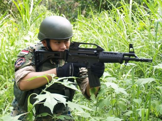 Chiến sĩ gìn giữ hòa bình Việt Nam huấn luyện sử dụng súng trường Pindad SS2 tối tân - Ảnh 12.