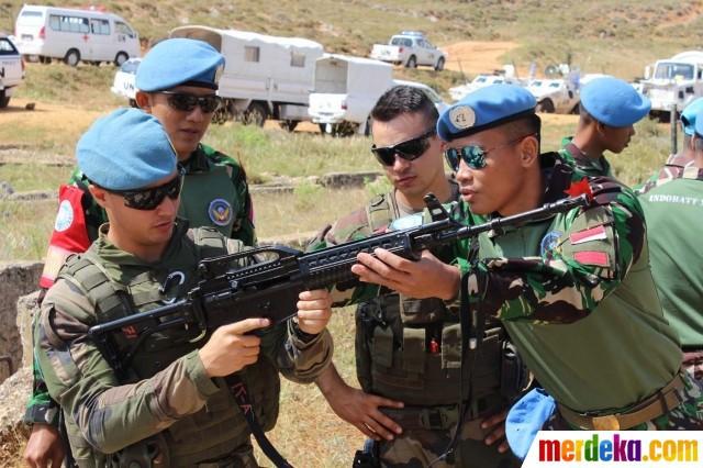 Chiến sĩ gìn giữ hòa bình Việt Nam huấn luyện sử dụng súng trường Pindad SS2 tối tân - Ảnh 10.