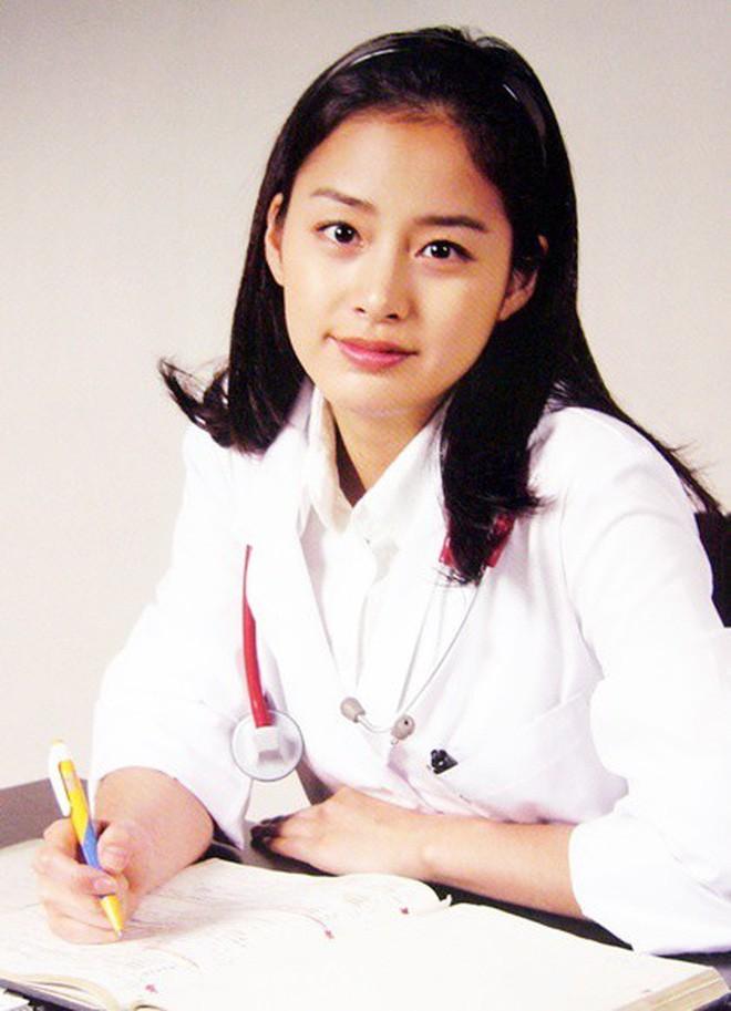 Nhan sắc thật của Kim Tae Hee hồi học đại học: Thần thánh đến mức nào mà khiến cả trường bị choáng? - ảnh 4
