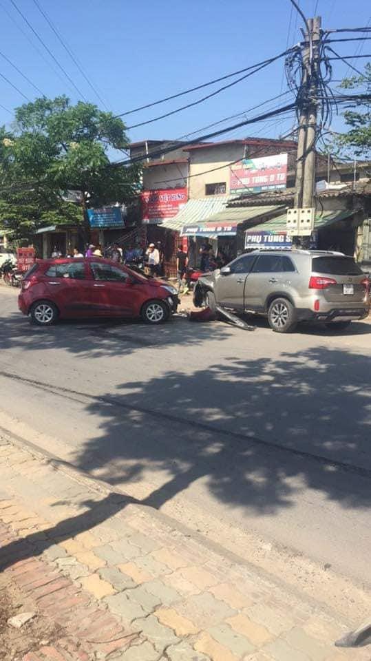 Hiện trường vụ tai nạn khiến phố Hà Nội xôn xao chiều Chủ Nhật - Ảnh 4.
