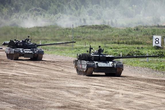 Nga tái trang bị xe tăng T-80 - Ảnh 1.