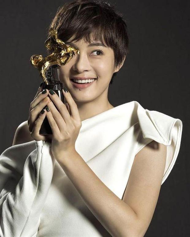Blogger xứ Trung bầu chọn mỹ nhân bị ghét nhất showbiz: Angela Baby - Dương Mịch tranh top, khó hiểu nhất là Dương Tử - Ảnh 12.