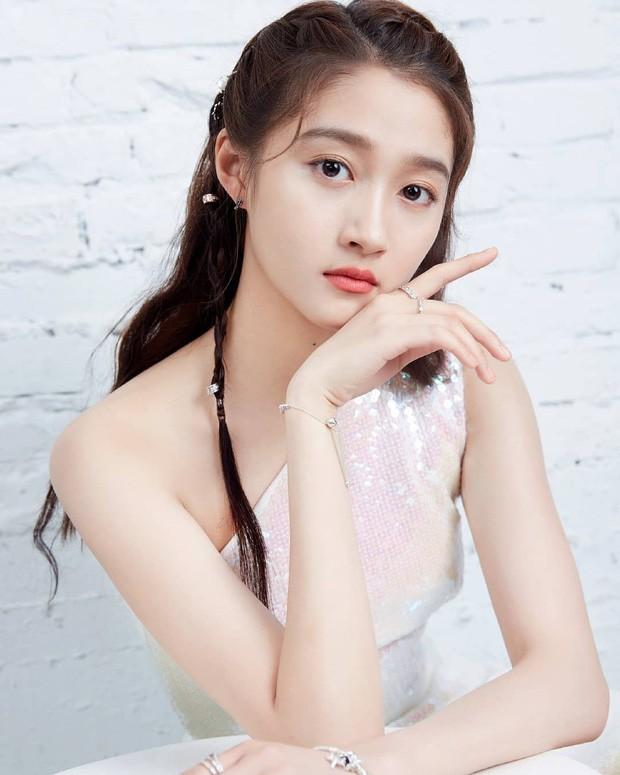Blogger xứ Trung bầu chọn mỹ nhân bị ghét nhất showbiz: Angela Baby - Dương Mịch tranh top, khó hiểu nhất là Dương Tử - Ảnh 7.