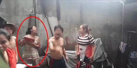 Tưởng chồng bị bắt, người phụ nữ lao vào cấu xé, đánh đúng chỗ hiểm của cán bộ công an - Ảnh 2.