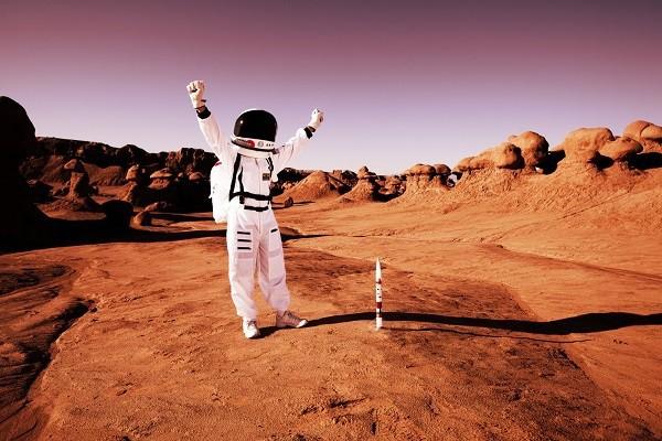 Không thể nuôi gia súc, những người nhập cư lên sao Hỏa trong tương lai có thể phải ăn gián thay cơm - Ảnh 1.
