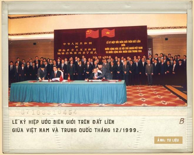 Đại sứ Lê Công Phụng kể chuyện đàm phán biên giới với Trung Quốc: Buổi làm việc tay bo với ông Vương Nghị và cuộc đấu tranh chống nhổ trộm cột mốc - Ảnh 2.
