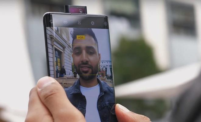 Màn hình thác nước: Khi smartphone Trung Quốc lại đoàn kết để đánh Samsung và Apple - Ảnh 2.