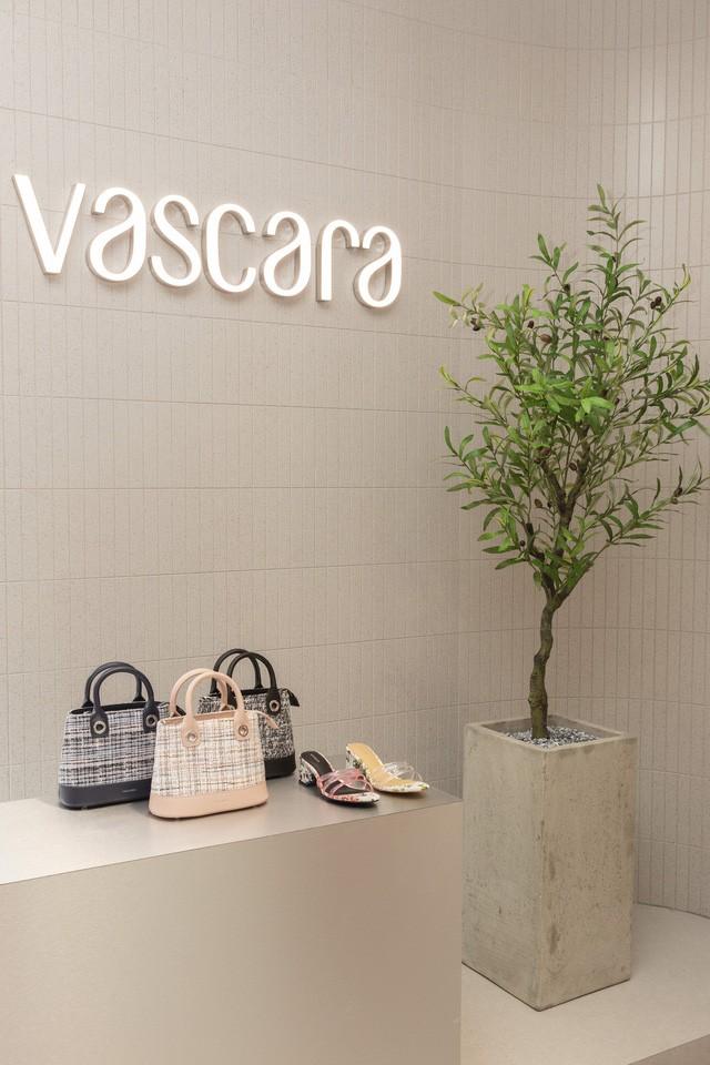Sau 2 năm mua lại thời trang NEM, tập đoàn Nhật Stripe International vừa thâu tóm thêm chuỗi 134 cửa hàng giày túi Vascara đình đám ở Việt Nam - Ảnh 2.