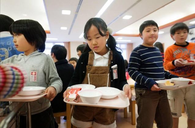 Tận mắt chứng kiến bữa trưa của học sinh Nhật Bản, càng thêm ngưỡng mộ đất nước này đối với thế hệ tương lai - Ảnh 4.