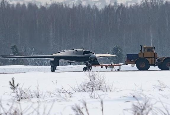 Máy bay thế hệ thứ 6 của Nga sẽ không có người lái - Ảnh 1.