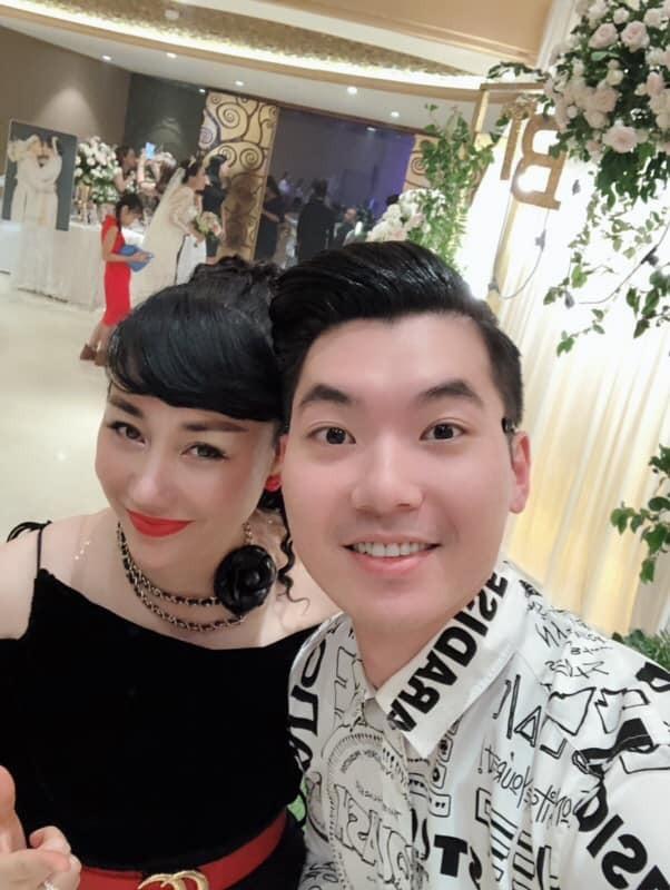 Cuộc sống viên mãn của siêu mẫu Việt bên vợ đại gia hơn 15 tuổi - Ảnh 2.