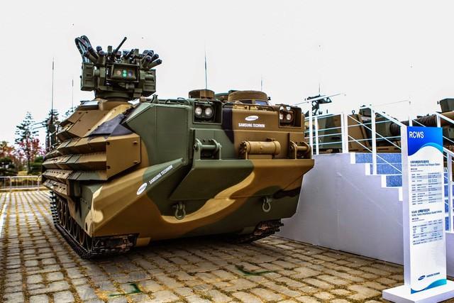 Công nghệ làm cuộc sống tốt đẹp hơn? Tỉnh lại đi, những công ty sản xuất điều hòa, smartphone cũng bán cả vũ khí, xe tăng và tên lửa đấy - Ảnh 13.