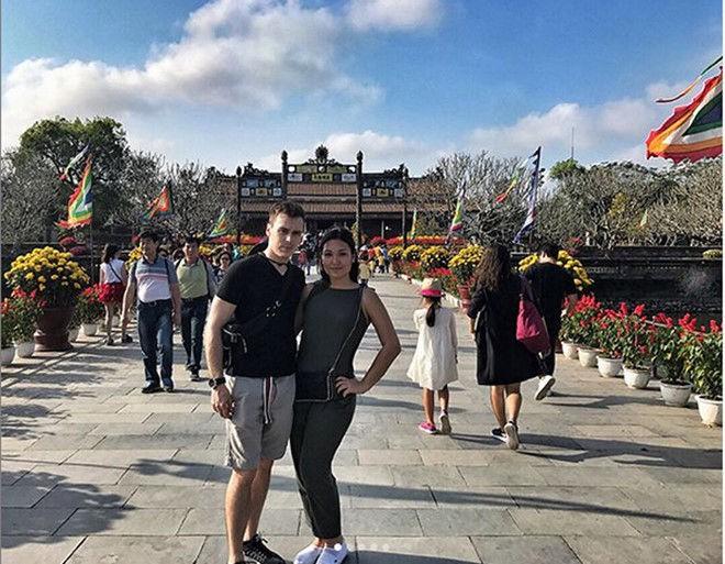 Mối tình gần một thập kỷ và lễ cưới trong mơ của cô gái Việt làm dâu Hoàng gia Monaco - Ảnh 11.